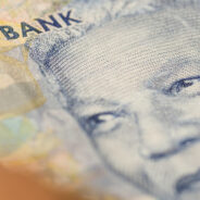 How much money the average person in South Africa gets paid